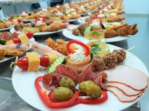 meniu nunta traditional aperitiv gustare rece ballroom almira